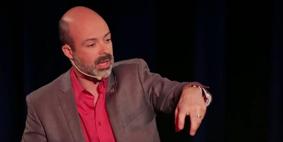 Stéphane Bouchard bei einem Vortrag