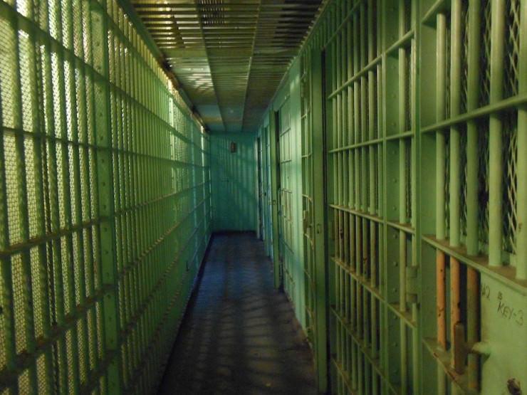 Brand in Spielhalle: Ex-Mitarbeiterin wegen versuchten Mordes angeklagt