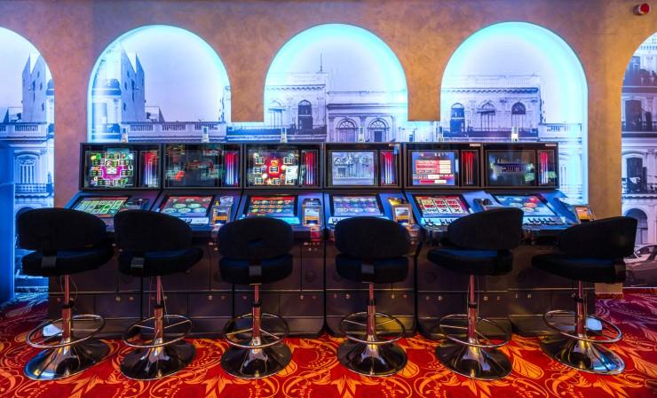Buy Zynga Poker Chips Via Mobile Phone | Online Slot Machines Casino