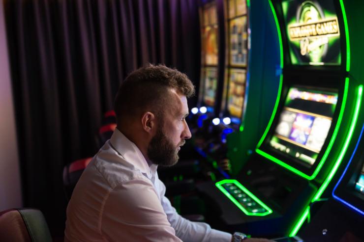 Niedersachsen: Zahl der Spielhallen sinkt, Umsätze an Geldspielgeräten steigen