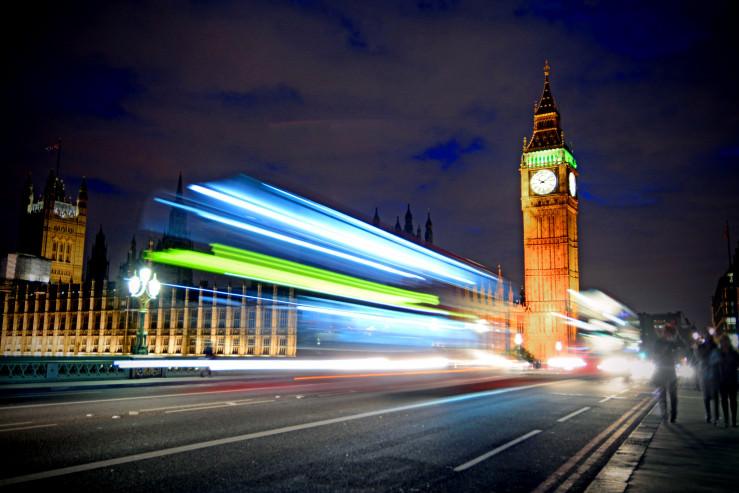 UK: House of Lords fordert 66 Gesetzesänderungen am Glücksspielgesetz